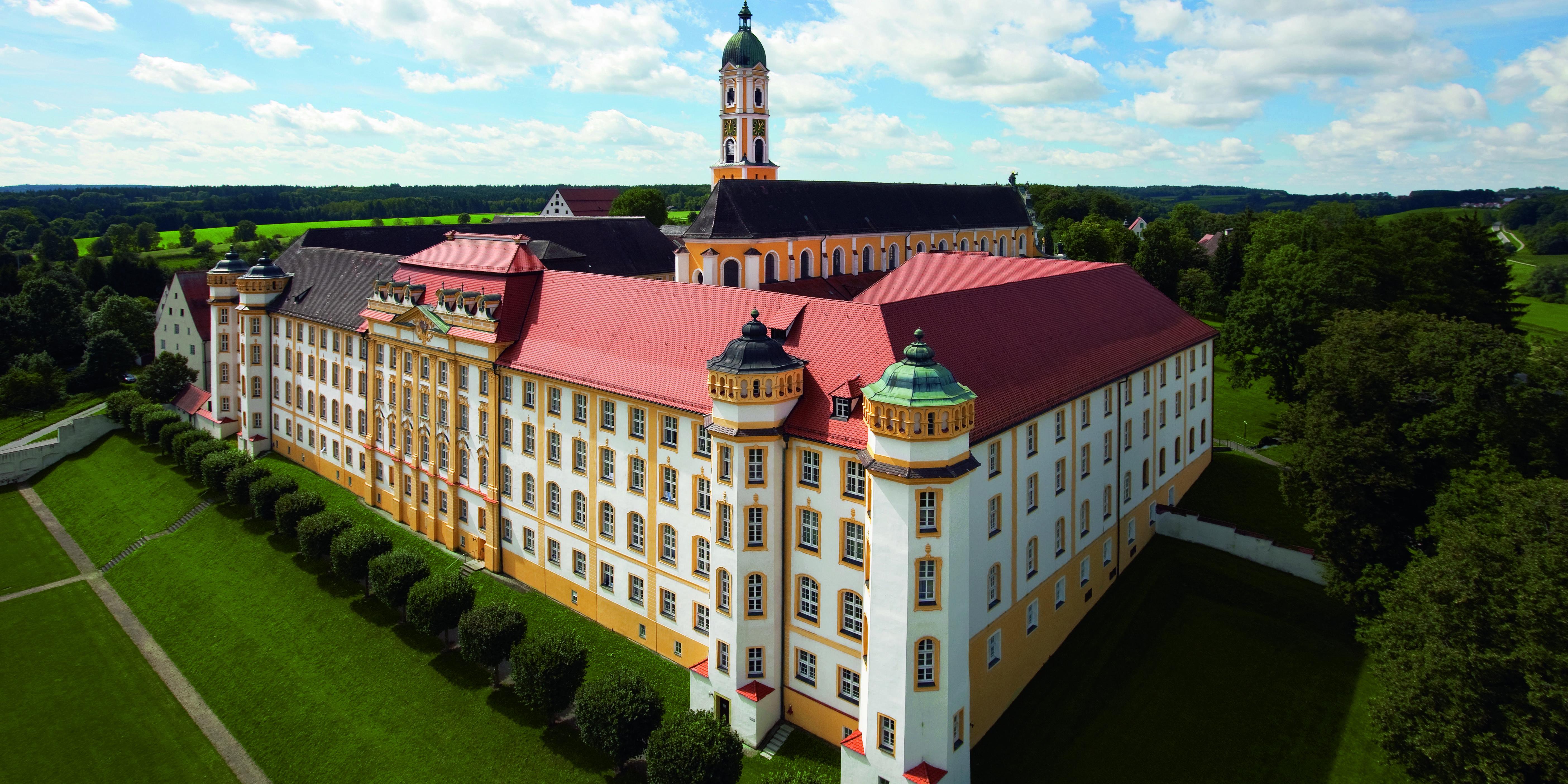 Kloster Ochsenhausen aus der Luft; Foto: Staatliche Schlösser und Gärten Baden-Württemberg, Achim Mende