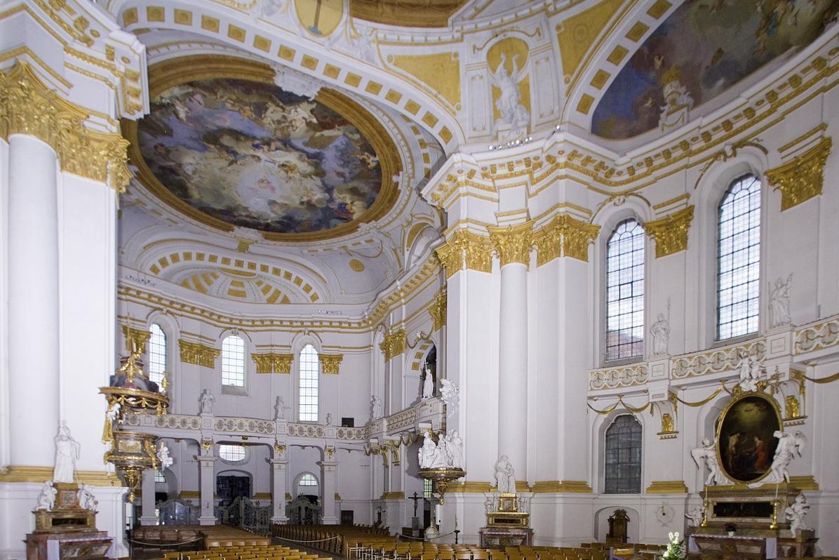 Innenraum der Klosterkirche nach Westen