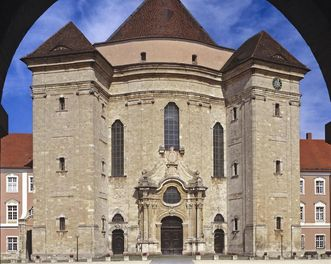Hauptportal der Klosterkirche an der Westfassade