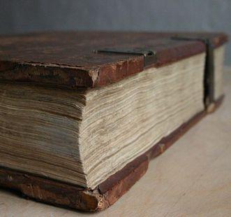 Eine gedruckte Bibel; Foto: pixabay_gemeinfrei