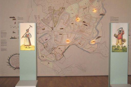 """Blick in die Ausstellung im """"Museum im Konventbau""""; Foto: Foto: Staatliche Schlösser und Gärten Baden-Württemberg, Ortsverband Schussenried Wiblingen"""
