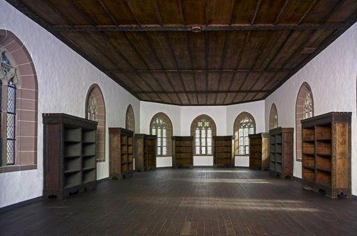 Die Klosterbibliothek im Obergeschoss der Marienkapelle im Kloster Hirsau; Foto: Staatliche Schlösser und Gärten Baden-Württemberg, Arnim Weischer