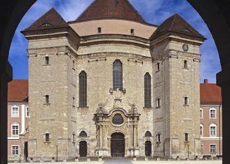 Westliches Hauptportal der Klosterkirche Wiblingen
