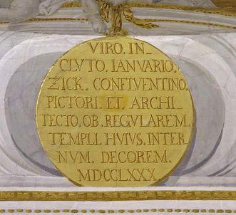 Medaillon der Ehrentafel Zicks in der Klosterkirche mit Inschrift, 1780