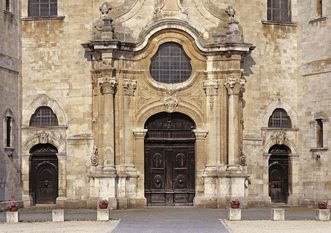 Eingang zur Klosterkirche im Westportal; Foto: Landesmedienzentrum Baden-Württemberg, Steffen Hauswirth